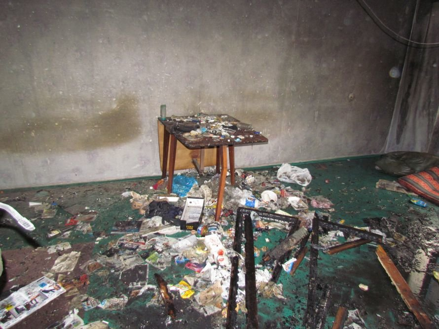 В Мариуполе сгорела гостинка на бульваре Шевченко (ФОТО), фото-4