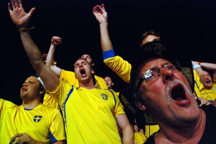 Фанаты собрали более 100 тысяч подписей в поддержку профессионального праздника болельщиков, фото-1