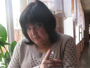Днепропетровскую учительницу, у которой возле доски описался ребенок, с позором выгнали из школы (ФОТО), фото-1