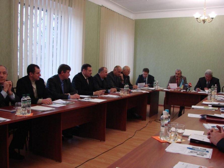 Мэр Артемовска подвел итоги соцпроекта за 2012 год (фото) - фото 1