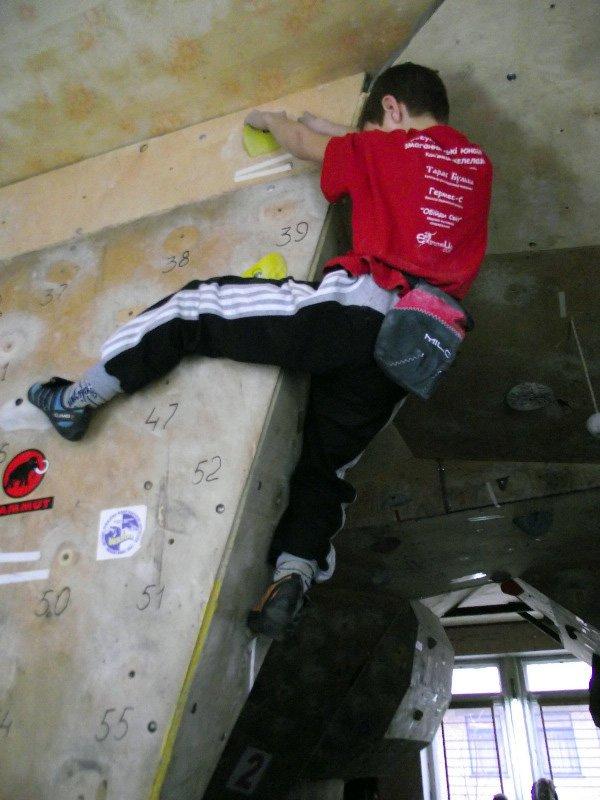 Горловский Центр туризма борется за здоровье нации скалолазанием (фото) - фото 3