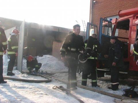 У Тернополі пожежа: горить фірма «Автоскло» на об'їзній (фото), фото-1