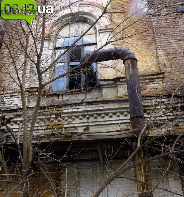 В Луганске на руинах бывшего казенного завода можно снимать мистические фильмы (ФОТО), фото-6