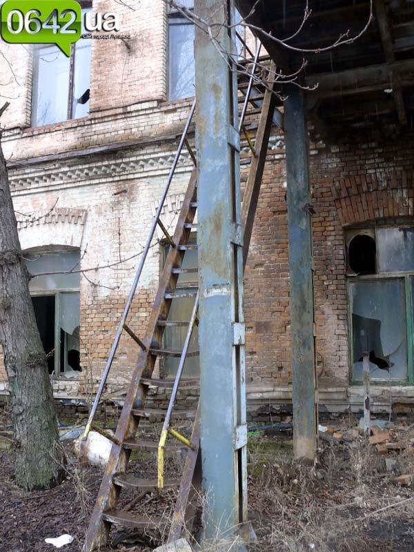В Луганске на руинах бывшего казенного завода можно снимать мистические фильмы (ФОТО), фото-4