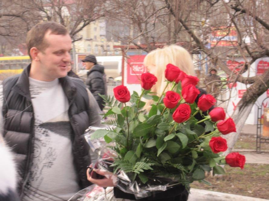 Чудеса Святого Валентина в Мариуполе: от угона авто до предложения руки и сердца ( ФОТО), фото-5