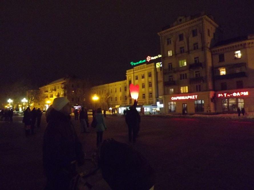 Тернополяни запалили свічки у небі – запуск ліхтариків на Театральному майдані (фото, відео), фото-5