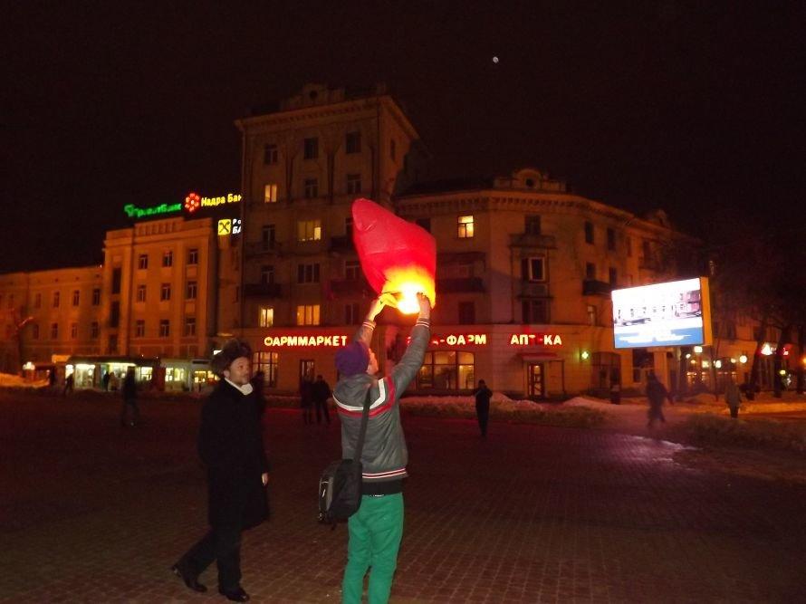 Тернополяни запалили свічки у небі – запуск ліхтариків на Театральному майдані (фото, відео), фото-12