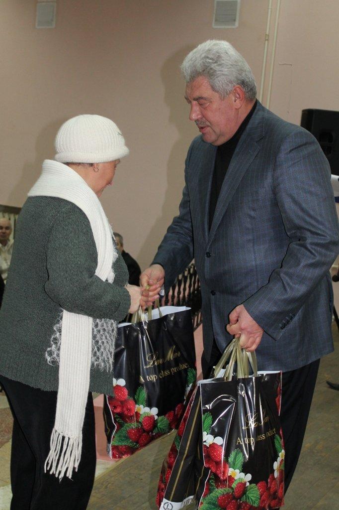 В Артемовском клубе ветеранов вручали медали афганцам, фото-4