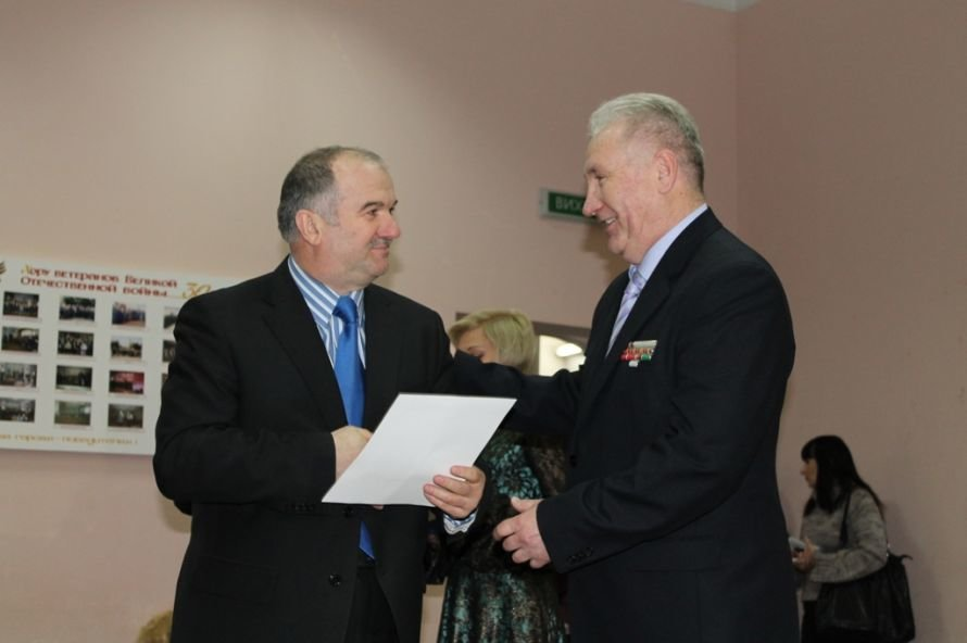 В Артемовском клубе ветеранов вручали медали афганцам, фото-7