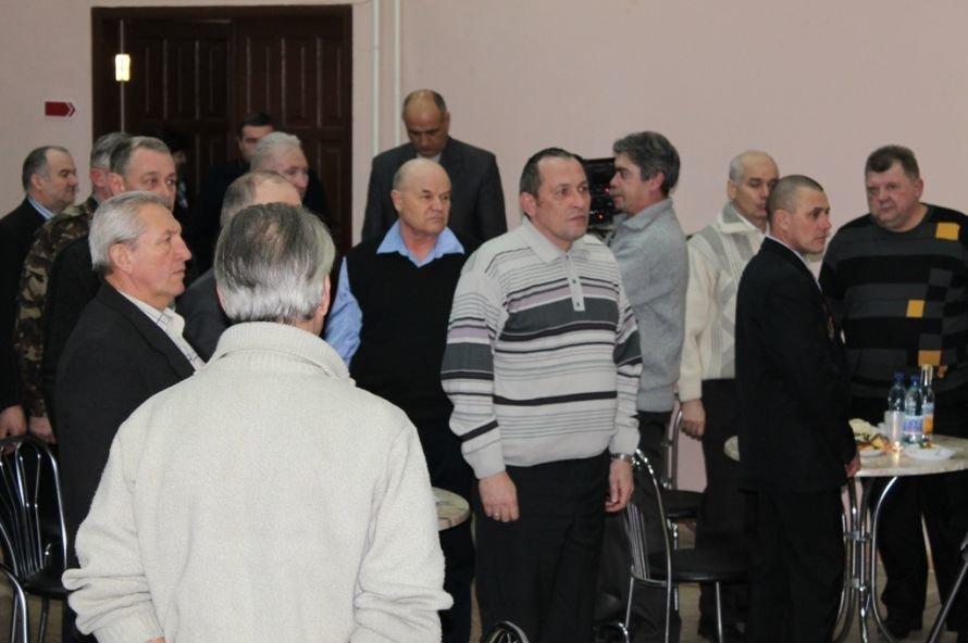 В Артемовском клубе ветеранов вручали медали афганцам, фото-8