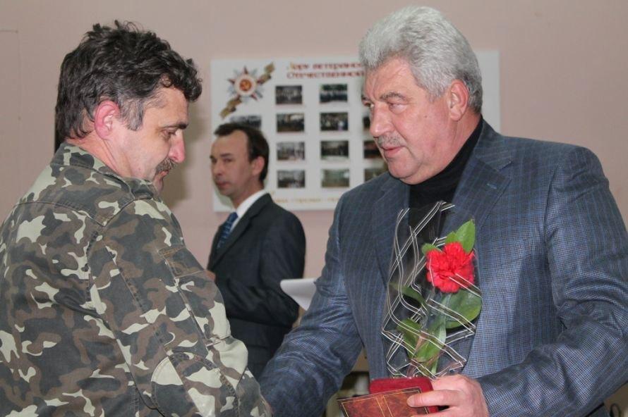 В Артемовском клубе ветеранов вручали медали афганцам, фото-2