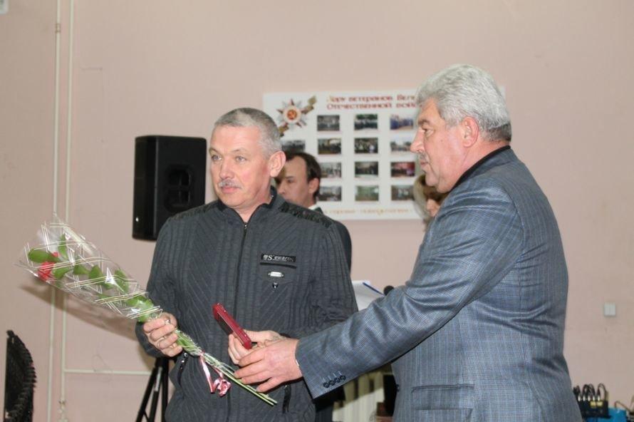 В Артемовском клубе ветеранов вручали медали афганцам, фото-3