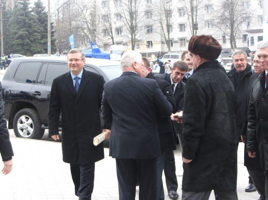 На Днепропетровщине вице-премьер, губернатор и глава облсовета почтили память великого сына области, Владимира Щербицкого (ФОТОРЕПОРТАЖ), фото-1
