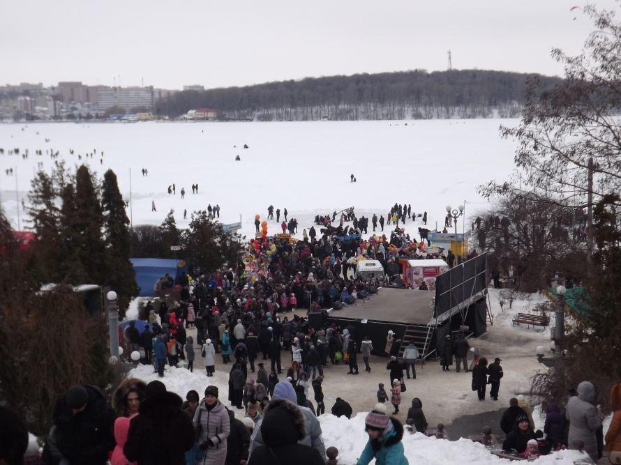 На Святі зими у Тернополі квадроцикл перевернувся на очах у дітей (відео, фоторепортаж), фото-2