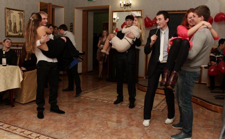 Ялтинские студенты отметили День святого Валентина, фото-2