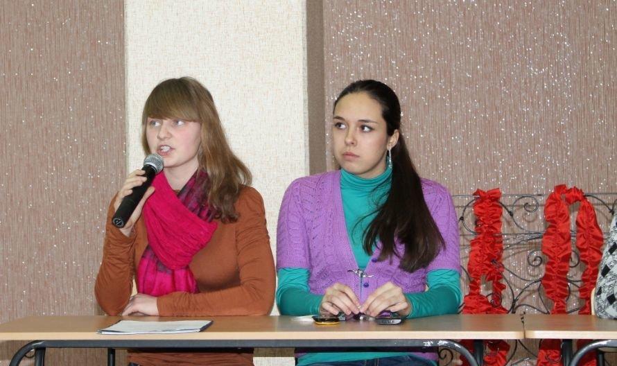 Артемовские студенты считают, что в нашем обществе процветает социальная несправедливость, фото-4