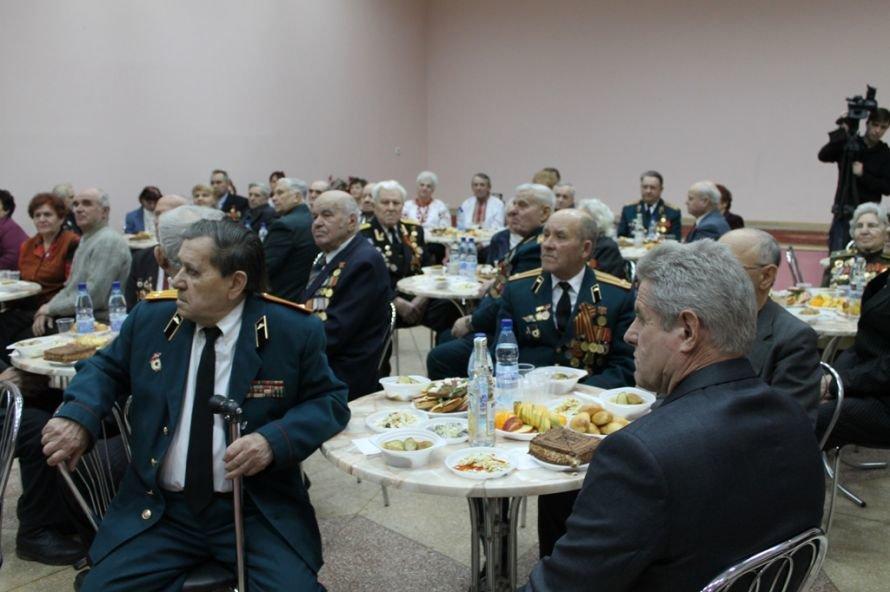 Артемовские ветераны жалеют рядовых пенсионеров, фото-1