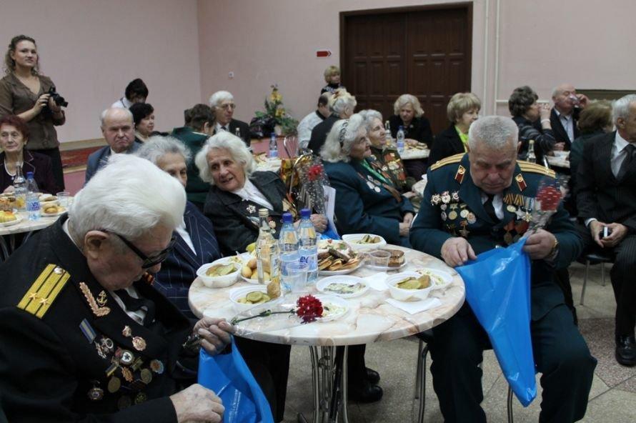 Артемовские ветераны жалеют рядовых пенсионеров, фото-5