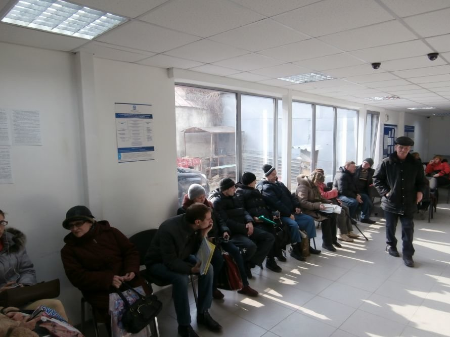 Итоги реорганизации БТИ: чтобы переоформить земельный участок или квартиру, харьковчане вынуждены занимать очередь в 2 часа ночи (фото) (фото) - фото 5