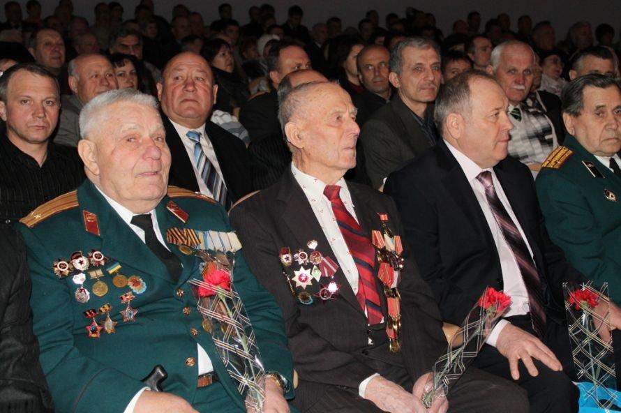 В Артемовске ветеранов и военнослужащих поздравили с 23-м февраля, фото-1