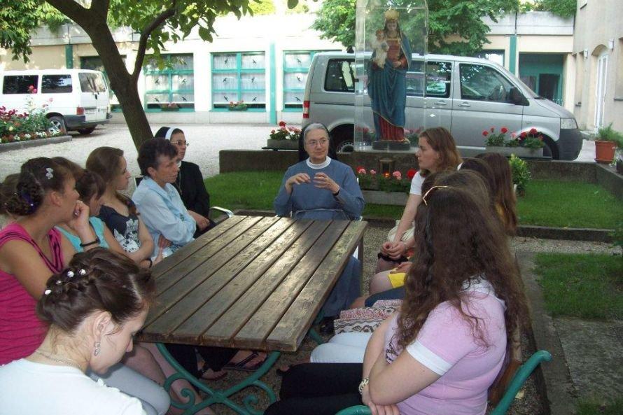На Тернопільщині діє перший і єдиний в Україні колегіум-інтернат для дівчат (фото), фото-5