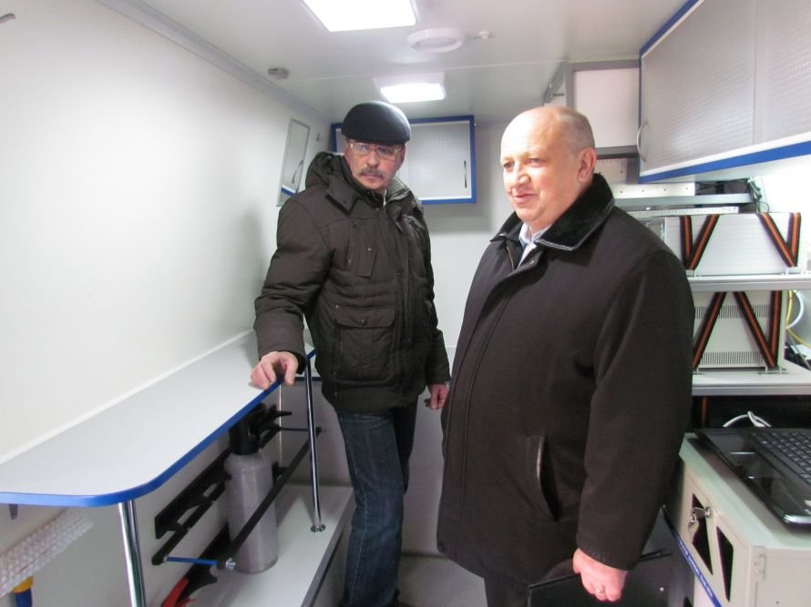 В Мариуполе презентовали передвижную эколабораторию (ФОТО), фото-7
