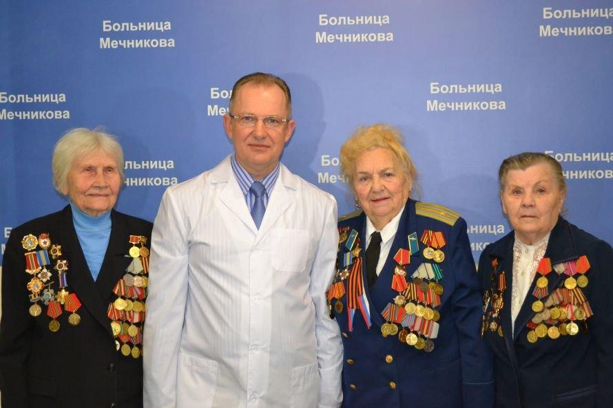 К 8 марта врачи больницы Мечникова подарят женщинам здоровье, фото-1