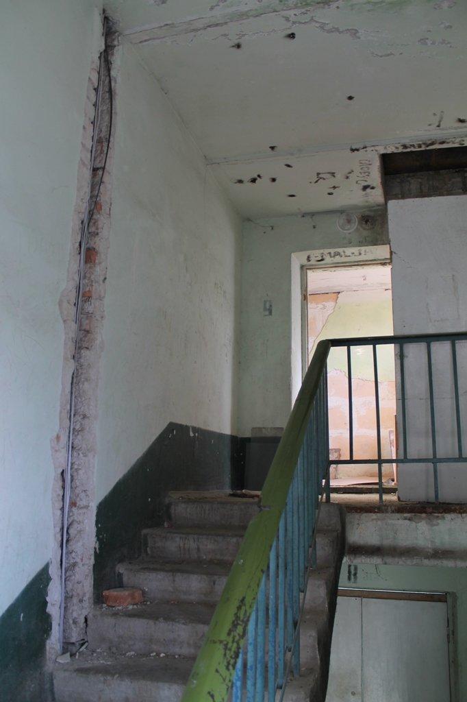 Эксклюзив сайта 06274: во что превратились коридоры самого убитого общежития в Артемовске, фото-6