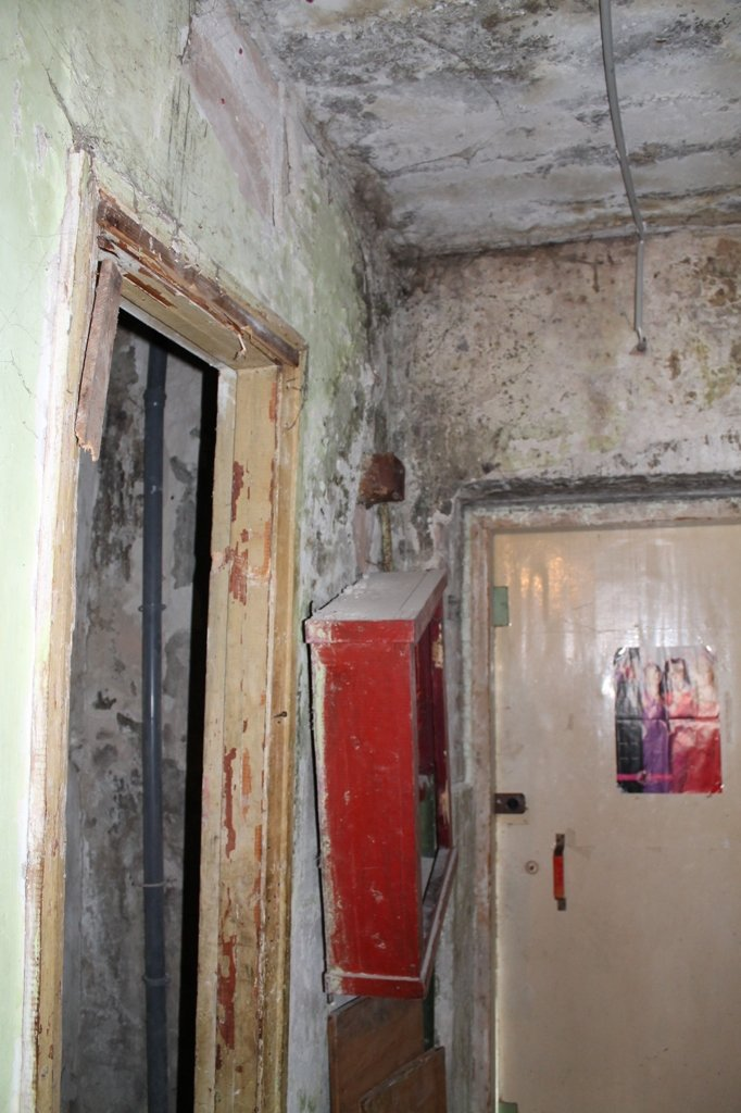 Эксклюзив сайта 06274: во что превратились коридоры самого убитого общежития в Артемовске, фото-8