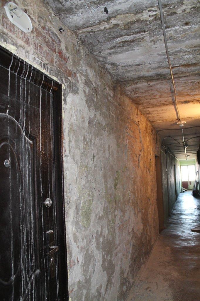 Эксклюзив сайта 06274: во что превратились коридоры самого убитого общежития в Артемовске, фото-5