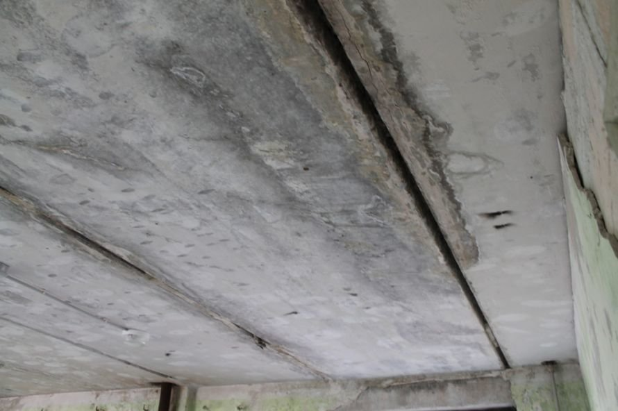 Эксклюзив сайта 06274: во что превратились коридоры самого убитого общежития в Артемовске, фото-9