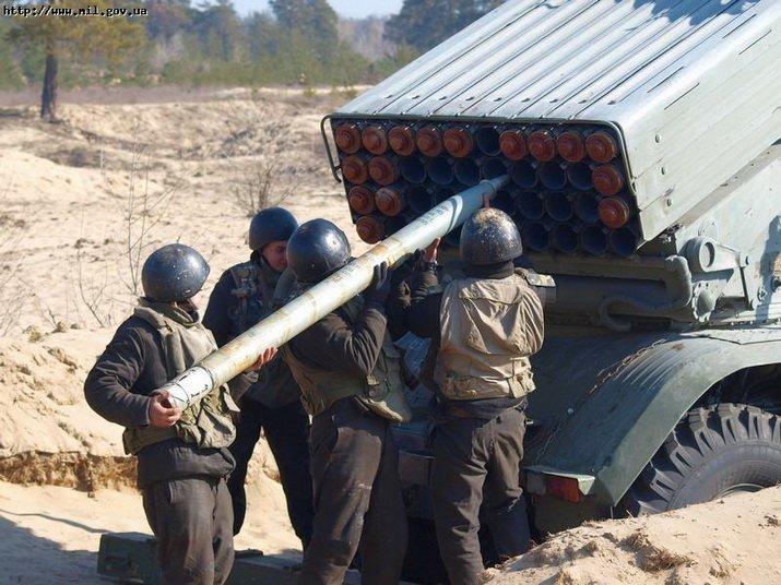 Днепропетровские военные стреляли почти просроченными снарядами (ФОТО), фото-1