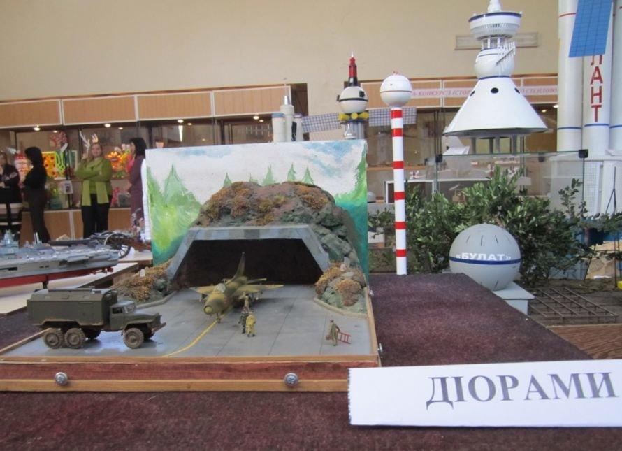 В Кривом Роге разрабатывают модели танков, подводных лодок и военных самолетов (ФОТО), фото-1
