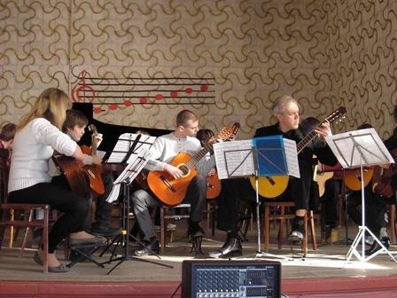 Творческие коллективы горловской музыкальной школы №1 демонстируют исполнительское мастерство, фото-1