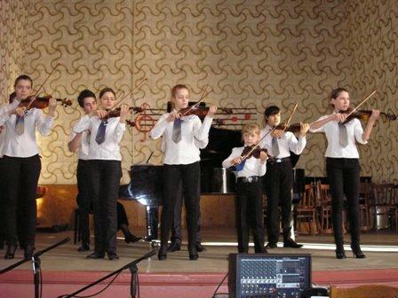 Творческие коллективы горловской музыкальной школы №1 демонстируют исполнительское мастерство, фото-5