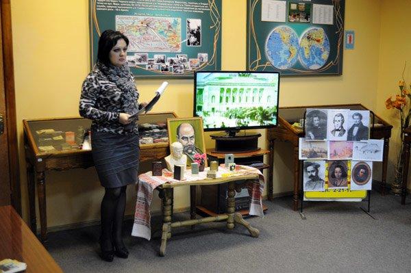 Горловские школьники узнали о творчестве Шевченко из мини-«Кобзаря», фото-1