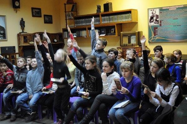 Горловские школьники узнали о творчестве Шевченко из мини-«Кобзаря», фото-2