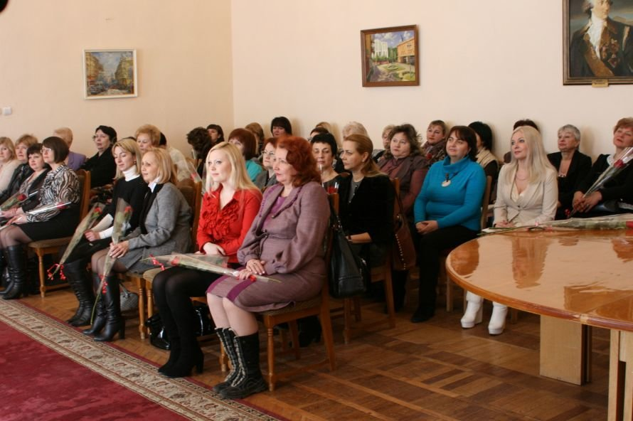 В Днепропетровске с 8 Марта поздравили ученых женщин (ФОТО), фото-2