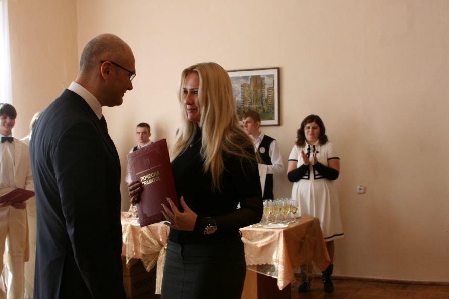 В Днепропетровске с 8 Марта поздравили ученых женщин (ФОТО), фото-3