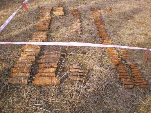 На Луганщине спасатели  нашли и уничтожили 202 снаряда времен войны (ФОТО), фото-1