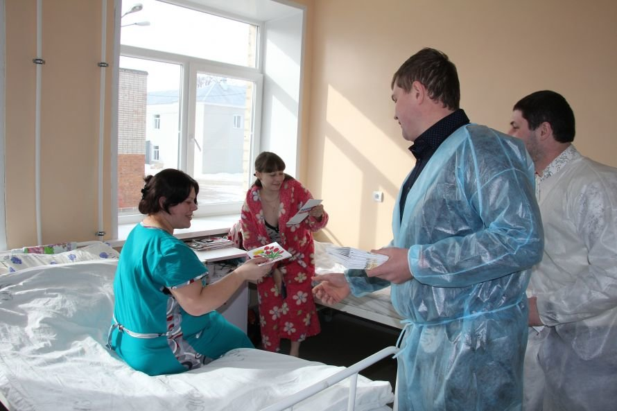 Рожениц роддома № 1 в Ельце поздравили с 8 марта, фото-1