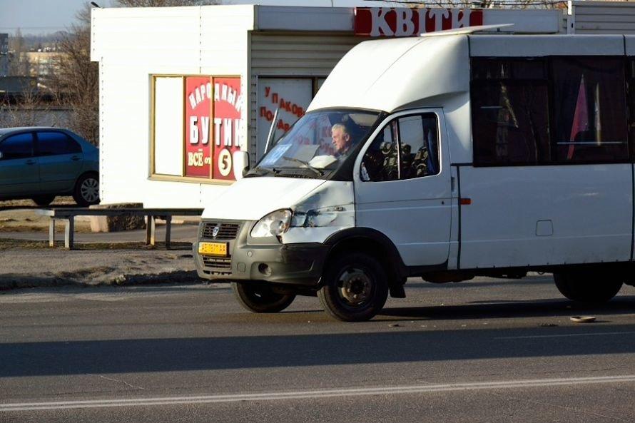 В Кривом Роге еще один водитель маршрутки попал в аварию (ФОТО), фото-2
