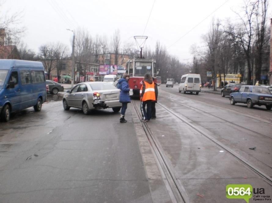В Кривом Роге микроавтобус «Volkswagen» выбросил «Chevrolet» с проезжей части (ФОТО), фото-3