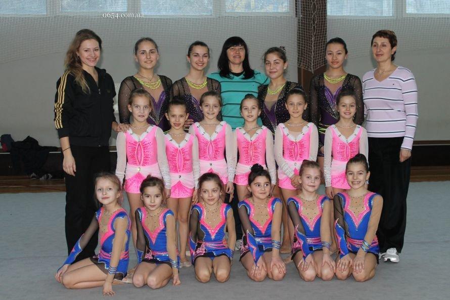 Ялтинские гимнастки дали старт победам 2013, фото-1
