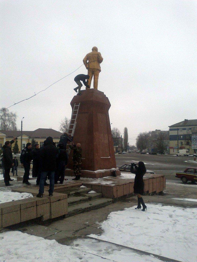 На Сумщине установили «двойника» Ленина, фото-1