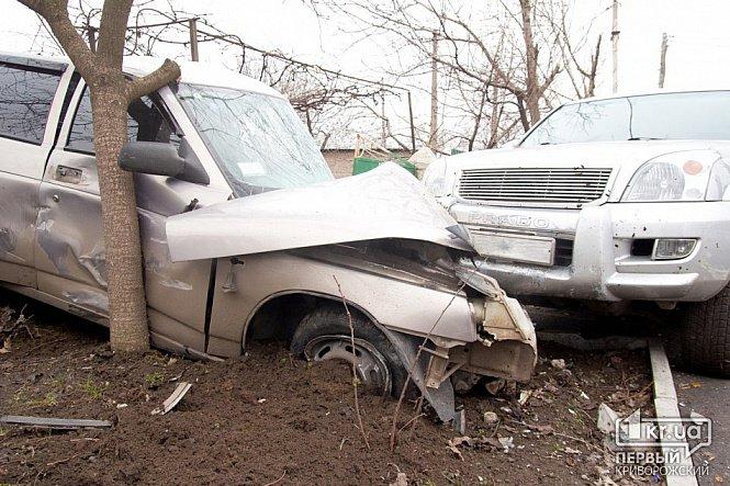 В Кривом Роге крутая иномарка и микроавтобус загадочным образом «исчезли» с места ДТП (ФОТО), фото-3