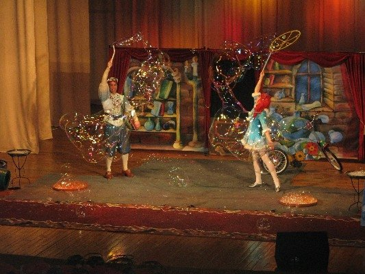 cb-wcarousel_ArticleImages_724_bubles_099