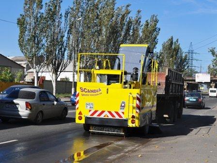 Для уборки улиц Горловки власти прикупят новую «подметалку», фото-3