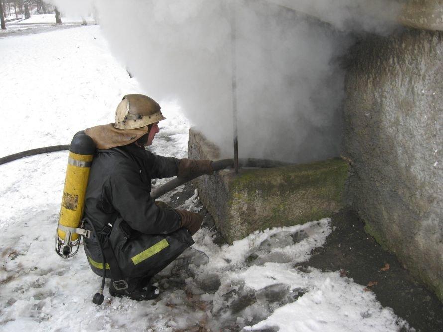 В Сумській області під час пожежі у підвальному приміщенні було евакуйовано з будинку 10 людей, фото-1