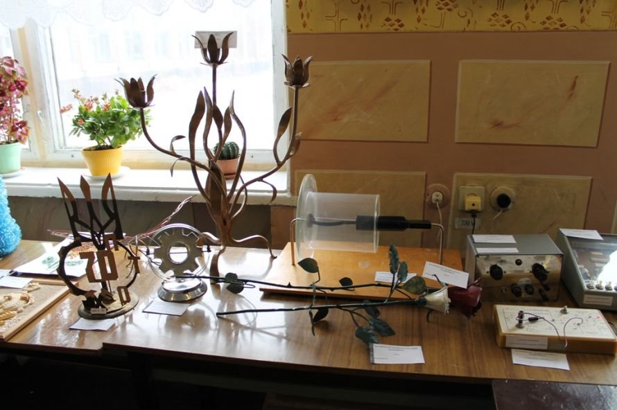 Конкурс работ артемовских училищ: в Донецк поедут лоза и фотографии, фото-6